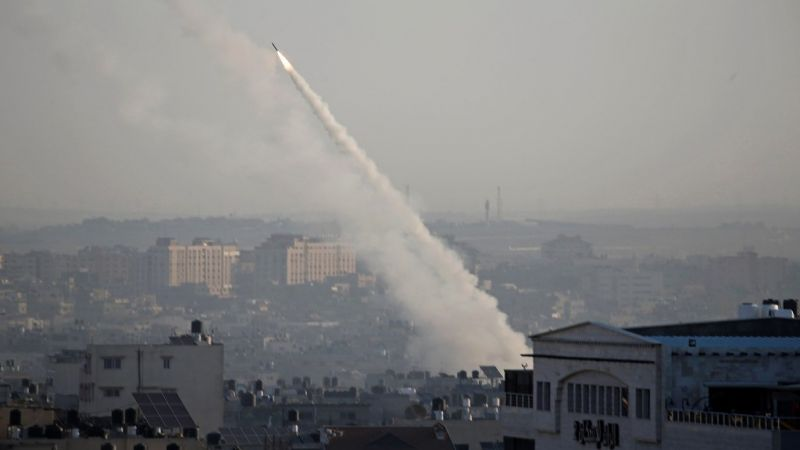 جيش الاحتلال يستعدّ لإطلاق صواريخ من الشمال