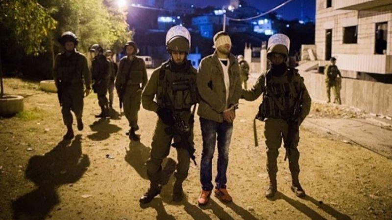 الإحتلال يعتقل 17 فلسطينيًا في مناطق الضفة الغربية
