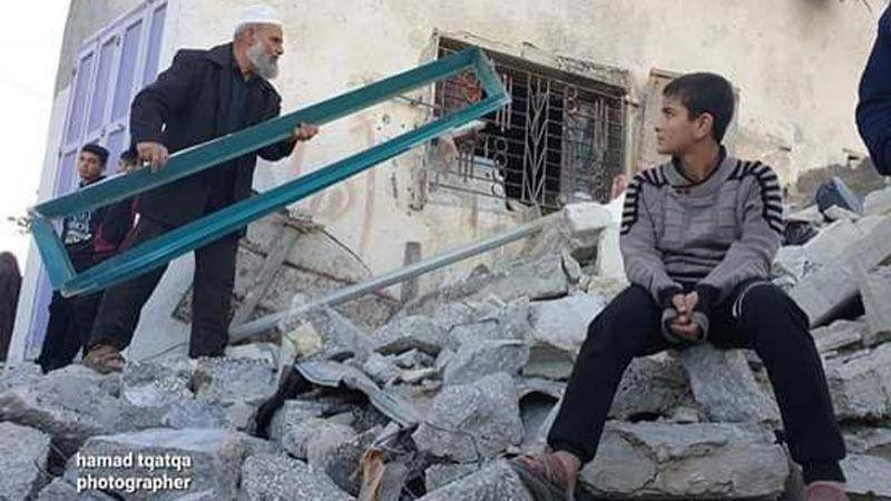 استشهاد فلسطيني وإصابة آخر غرب الخليل