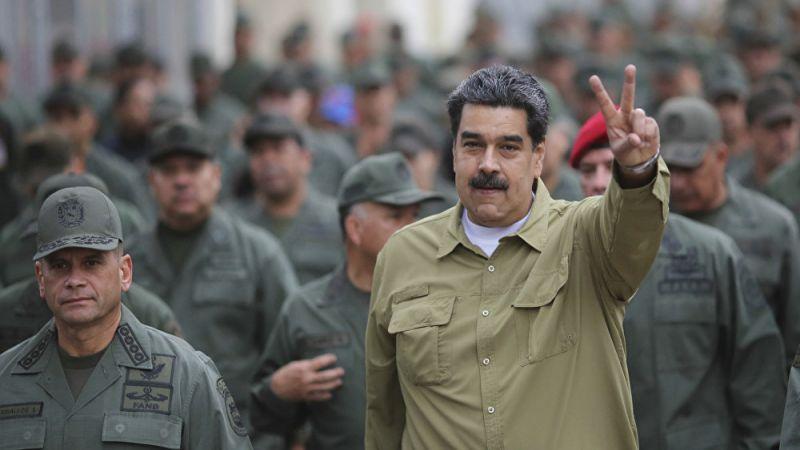 مادورو يأمر الجيش الفنزولي بالتعبئة العامة