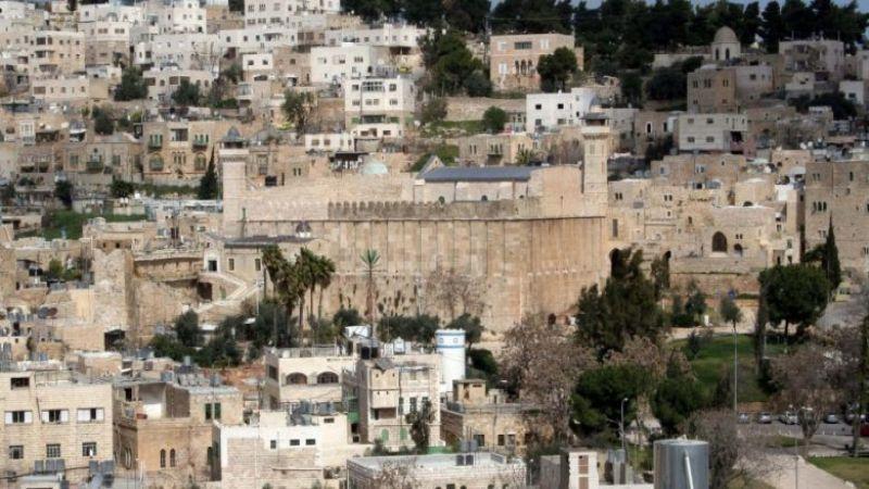 العدو يقرّر هدم المباني القديمة في الخليل واستبدالها بحيّ يهودي!