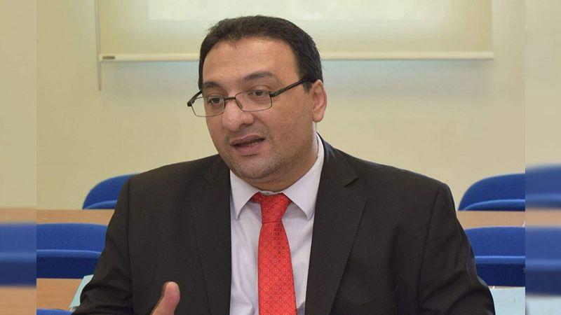 """الخبير الدستوري عصام اسماعيل لـ""""العهد"""": على الحكومة ممارسة جميع صلاحياتها"""