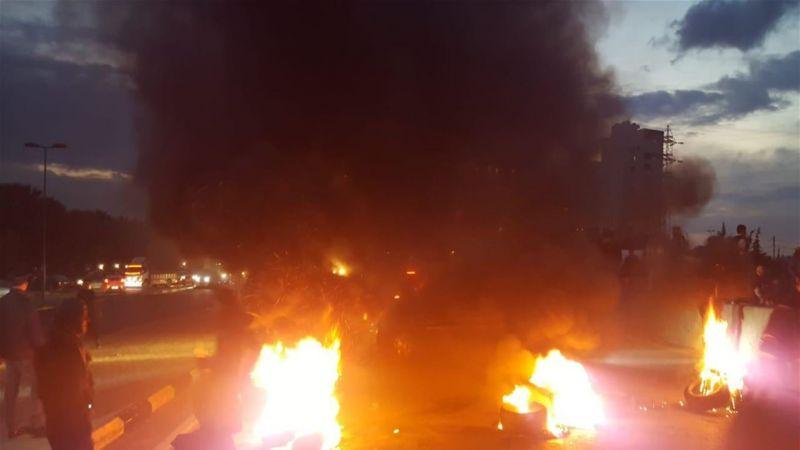 فاجعة وفاة شاب وشقيقته بانهيار سقف منزلهما في الميناء تشعل الشارع الطرابلسي