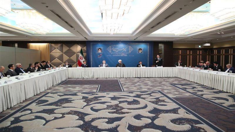 روحاني: لا ينبغي السماح لطرف ثالث بالإخلال في العلاقات بين ايران واليابان