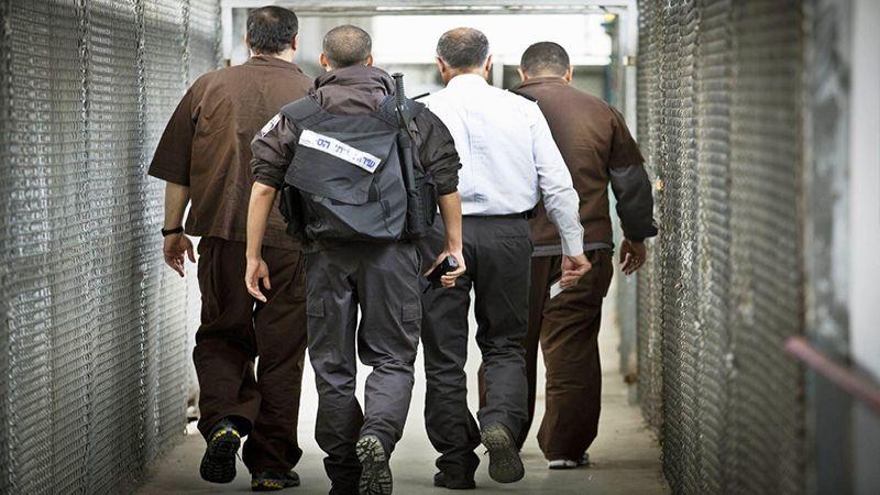 """فلسطينيون في سجون الإحتلال .. """"أيقونات الأسرى"""" و""""جنرالات الصبر"""""""