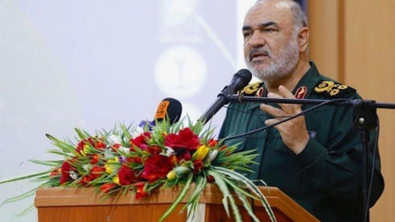 القائد العام لحرس الثورة الإسلامية: مستعدون بكافة إمكانياتنا للحرب مع أمريكا