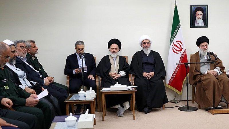 الإمام الخامنئي: للتسلّح بالجهاد حفاظًا على عزّة إيران
