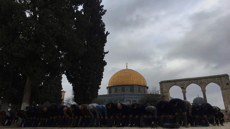 الخارجية الفلسطينية: الإعتداء على المصلين في الأقصى تصعيد استفزازي
