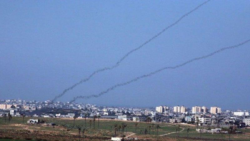 """""""معاريف"""": إطلاق الصواريخ من غزة سيستمرّ خلال الانتخابات"""