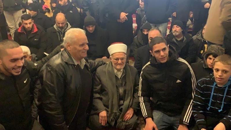 الإحتلال يبعد الشيخ عكرمة صبري عن المسجد الأقصى لـ 4 أشهر
