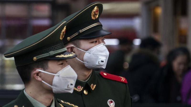 """ضحايا فيروس """"كورونا"""" إلى ارتفاع.. وبدء انتشاره خارج الصين"""