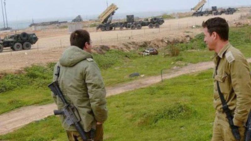 العدو يختبر منظومة صاروخية في إحدى قواعده الجوية