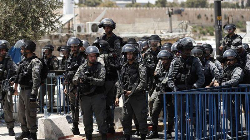 شرطة الاحتلال تقتحم باحات الاقصى وتعتدي على المصلين فجر اليوم
