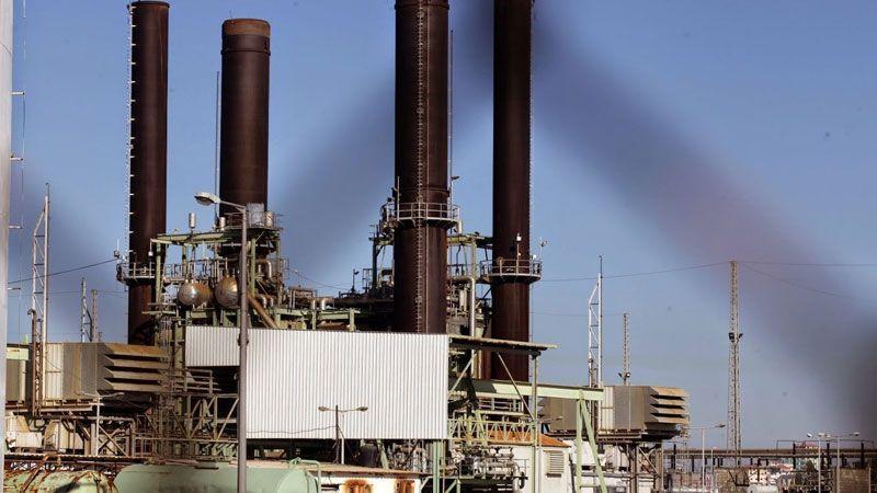 """""""البرد"""" يعمق أزمة الطاقة في غزة"""