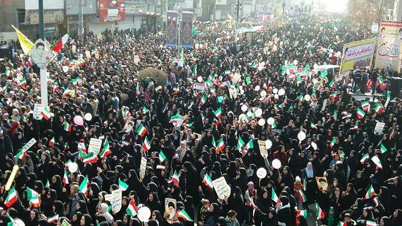 إيران تُحيي ذكرى الثورة الاسلامية.. وروحاني: سنُجبر الأعداء على الاستسلام