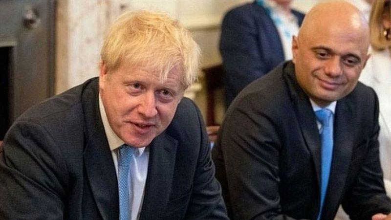 استقالة وزير المال البريطاني في ضربة لحكومة جونسون