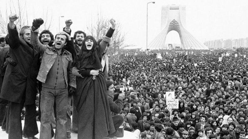 كيف بَنَت ايران بعد الثورة استراتيجية مواجهة الأعداء؟