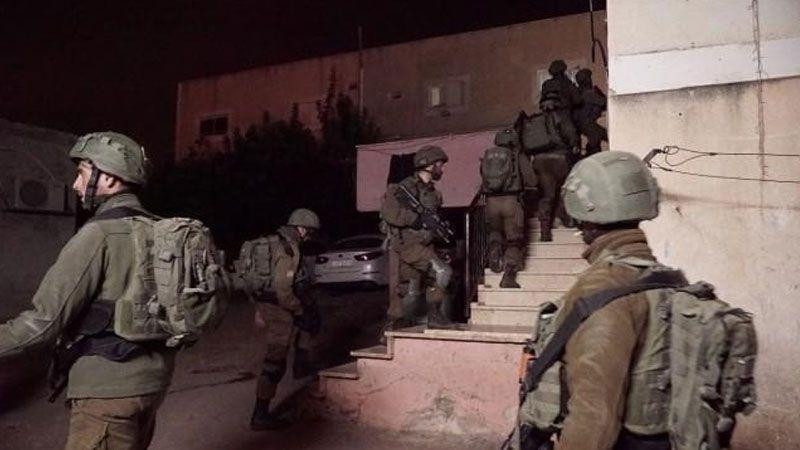 الاحتلال يعتقل 10 فلسطينيين في الضفة والقدس