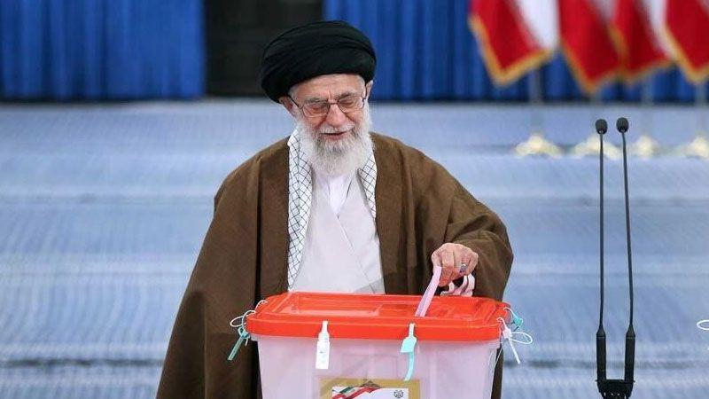 الامام الخامنئي: الإقتراع واجب شرعي وحقّ مدني