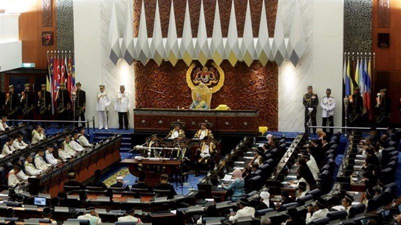 الأزمة الماليزية.. 3 سيناريوهات والبرلمان يحسمها الاثنين