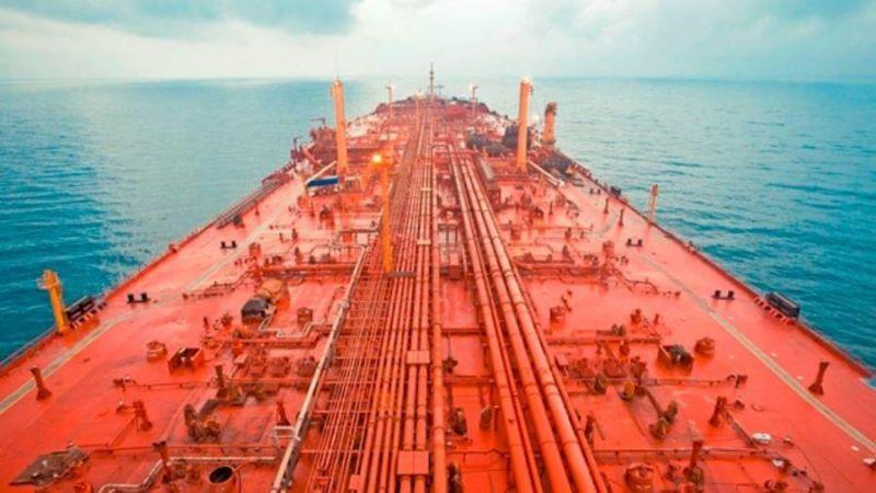 مجلس الشورى اليمني يحذّر من حدوث كارثة بيئية عند البحر الأحمر