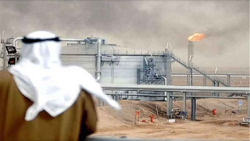 النفط: سلعة سعودية وسلاح أمريكي