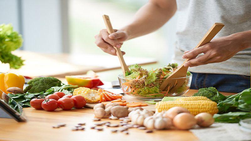 في فترة الحجر المنزلي.. قائمة أطعمة عليك تخزينها