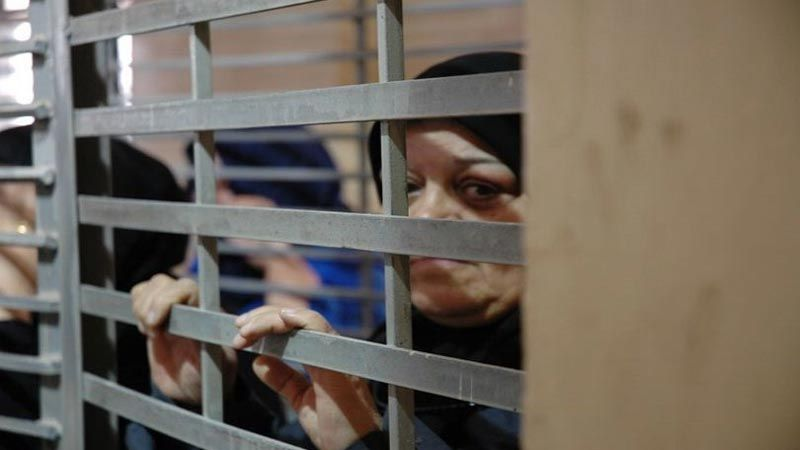 أمّهات فلسطينيات يعانين الأمرّين في سجون الاحتلال