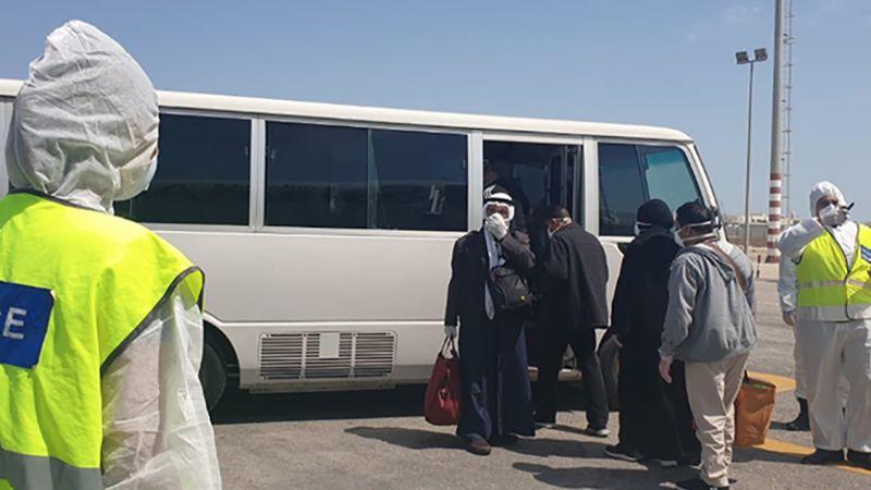 أزمة البحرينيين العالقين في إيران.. فتّش عن حقد الملك وبُخل السلطات!