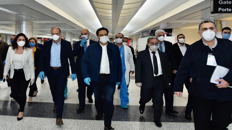 دياب عاين اجراءات عودة المغتربين في المطار: نقوم بالمستحيل لتقديم الدعم للبنانيين