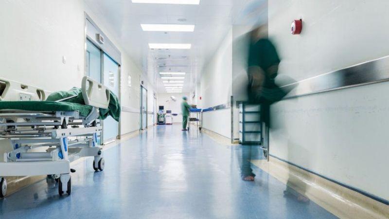 عاملو التنظيفات في المستشفيات: برتوكول عمل خاص بكورونا يطبقه جنود مجهولون