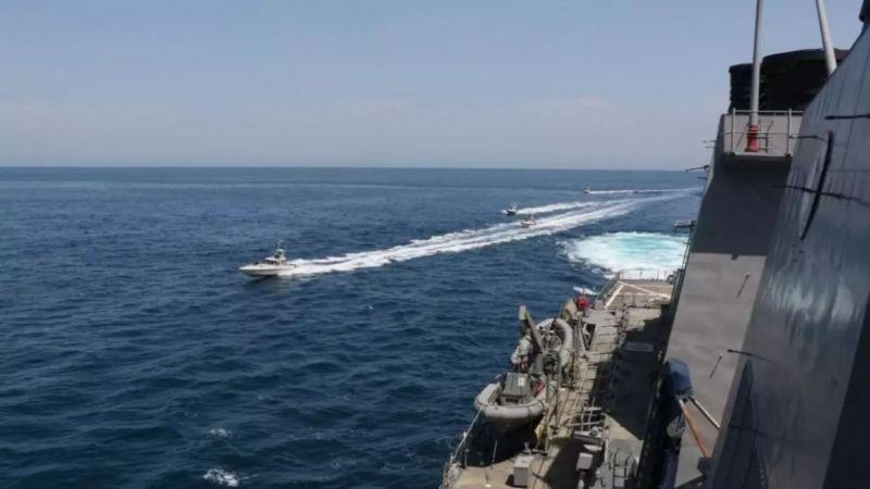 الحرس الثوري الإيراني محذرا الأسطول الأميركي.. سنردّ على أي خطأ