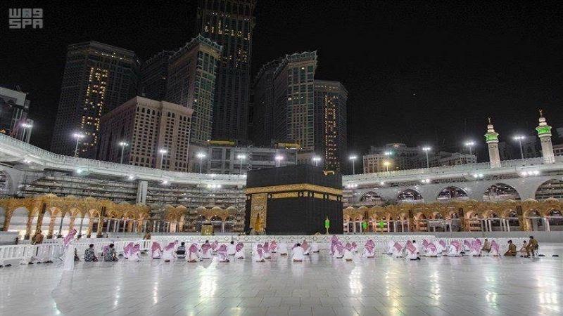 عودة المصلين الى المسجد الحرام والمسجد النبوي الشريف