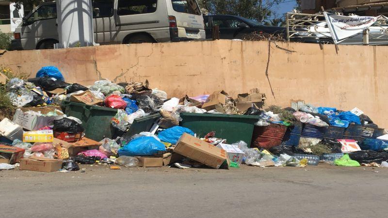 النبطية تعاني من ازمة تكدس النفايات في الشوارع