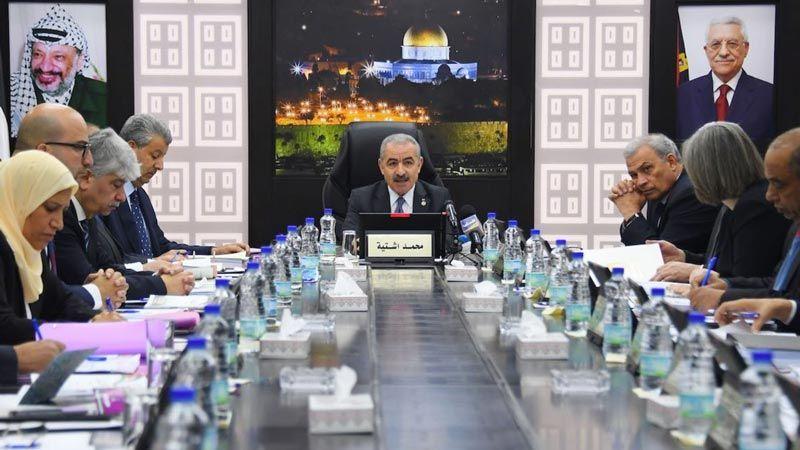 """فلسطين: قرار بإعادة الموظفين الحكوميين إلى العمل في المناطق الخالية من """"كورونا"""""""
