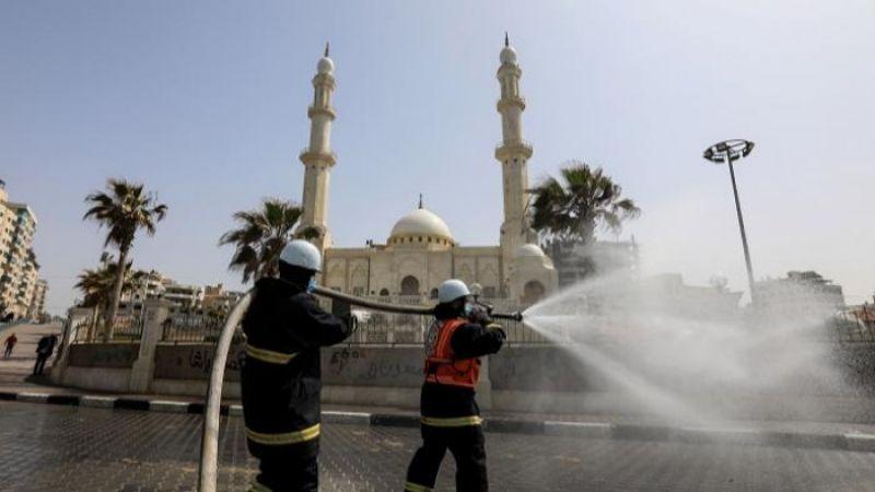 غزة:  فتح المساجد لأداء صلاة الجمعة فقط و صلاة عيد الفطر