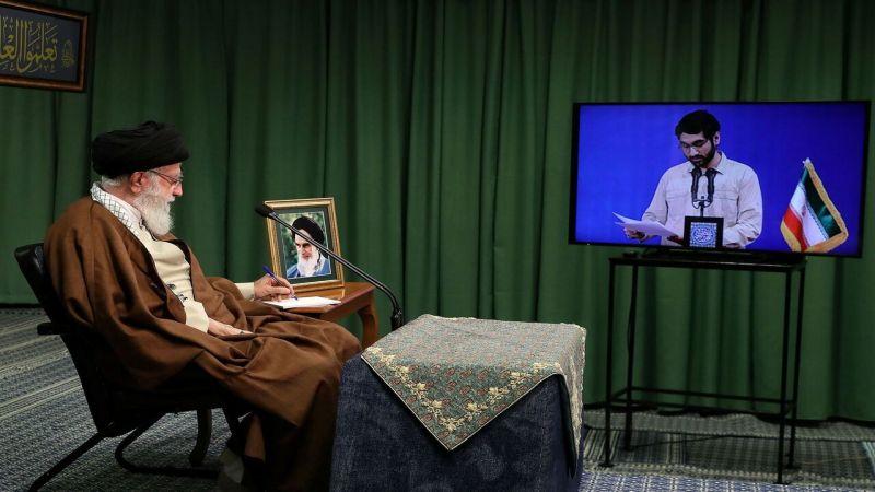 الإمام الخامنئي: سيتم طرد الأمريكيين من سوريا والعراق