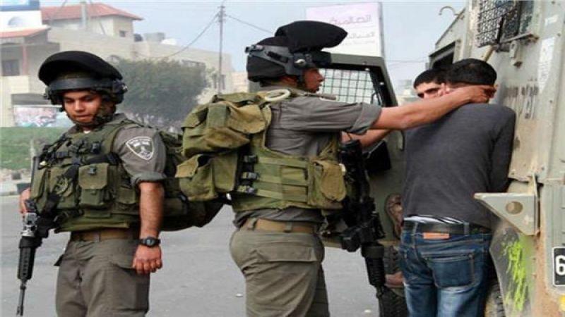 الاحتلال يعتقل 13 فلسطينيا من الضفة بينهم جريح