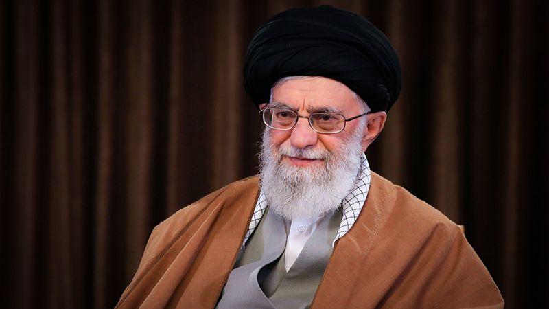 الإمام الخامنئي لأعضاء مجلس الشورى: الاقتصاد والثقافة أولويّتكم