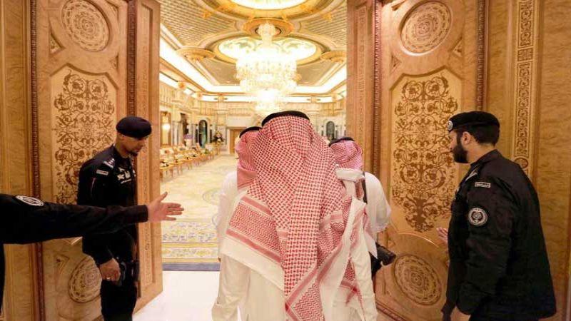 """موظف سعودي يكشف تفاصيل مثيرة عن """"حملة الريتز"""" و""""معتقلي الرأي"""""""