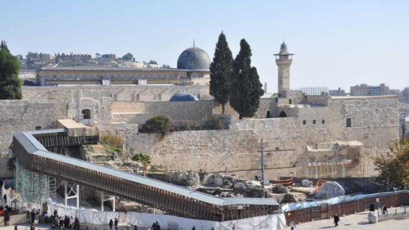 نفق اسرائيلي تحت حائط البراق