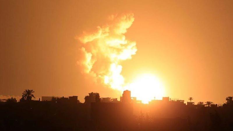 العدو الصهيوني يشن غارات مكثفة على قطاع غزة
