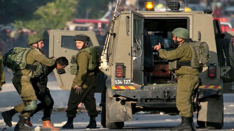قوات الاحتلال تعتقل عشرة فلسطينيين من الضفة الغربية