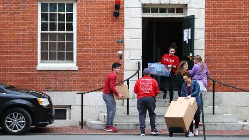 الولايات المتحدة قد تسحب تأشيرات الطلاب الأجانب لديها