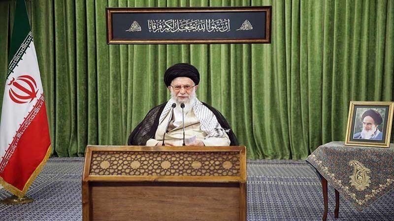 الإمام الخامنئي: لتكاتف التيارات السياسية والوحدة لمواجهة العدو