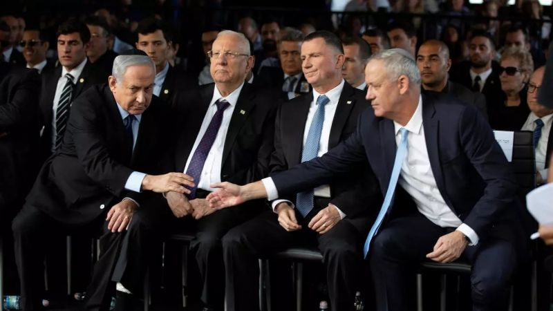 تصدع في الائتلاف الحكومي المعادي: نتنياهو غاضب من حليفه غانتس