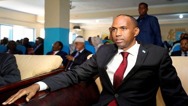 البرلمان الصومالي يقيل رئيس الحكومة