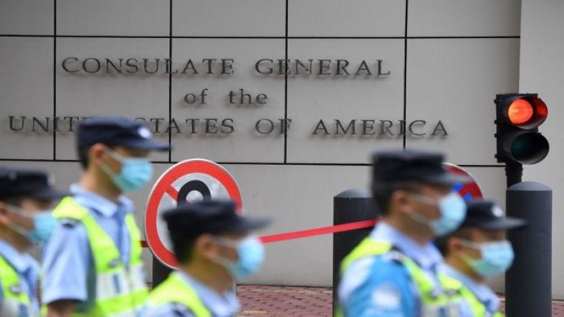 إزالة العلم الأمريكي عن قنصلية تشنجدو الصينية
