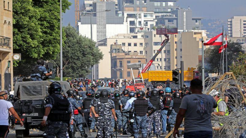 احتجاجات في وسط بيروت .. مواجهات عند المنافذ المؤدية إلى مجلس النواب