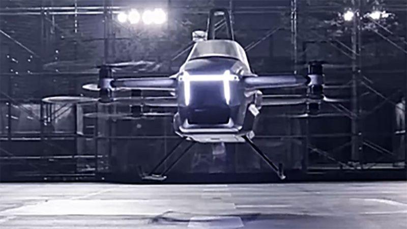 """بالفيديو: """"الدراجة الطائرة"""" .. ابتكار جديد قد يغيّر أساليب التنقل"""